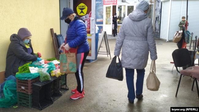 В торговых рядах рынка «Чайка»