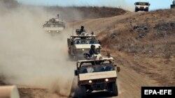 خودروهای نظامی اسرائیل در نزدیکی مرز سوریه
