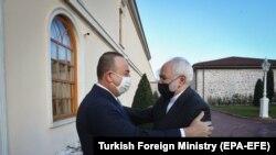 Министры иностранных дел Турции и Ирана Мевлют Чавушоглу и Мохаммад Зариф