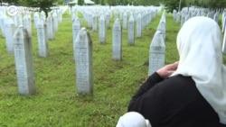Srebrenitsa qıyır-çıyırı: 25 yıldan soñ (video)