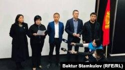 Представители партий, заявивших о выдвижении кандидатуры Омурбека Бабанова на должность премьер-министра.