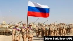 Ресей әскері Тәжікстан және Өзбекстан елдерінің қатысуымен өтетін әскери жаттығу алдында.