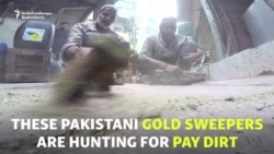 Pakistani Pay Dirt: Sweeping Karachi's Streets For Gold