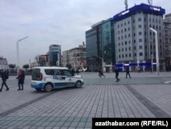 Площадь Таксим, Стамбул, 19 февраля, 2021