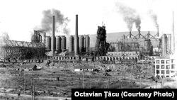 Uzina metalurgică de la Kuznețk, simbol al industrializării staliniste, proiectată de Freyn Engineering Company din Chicago