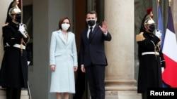 Președinta Maia Sandu primită la Palatul Elysse de președintele francez Emmanuel Macron, Paris, 4 februarie 2021.