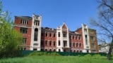 Бельгийская больница 5 мая 2021 года, после пожара. Пострадали чердак и кровля