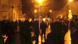 Кырым парламенты янында Мәскәү яклы демонстрациячеләр