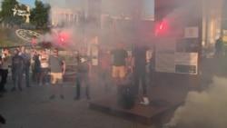 «Ми втомилися від лайна» – активісти протестували на майдані Незалежності (відео)