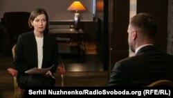 Журналістка Олена Ремовська під час запису програми «Суботнє інтерв'ю»