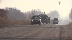 Українські військові відводять від Донецька міномети калібром 82 міліметри (відео)