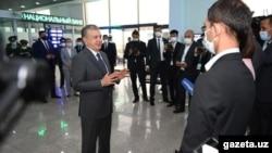 Во время визита в Сурхандарью 1 июня президент Мирзияев напомнил журналистам, что они «его помощники».