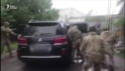 Губернатора обвинили в убийствах, журналиста в госизмене