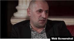"""Мамихан Умаров (Анзор из Вены), скриншот с ютьюб-канала """"Чеченцы в Австрии"""""""