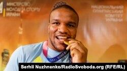 Єдине золото збірній України приніс борець Жан Беленюк (на фото)