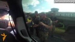 Як радіють військові в зоні АТО, отримуючи українські прапори