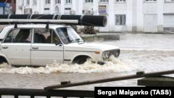 Паводки в Керчи, иллюстрационное фото