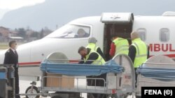 Bosnia - 30 000 de doze de vaccin de la Sinovac, donate de Turcia , sosite pe aeroportul din Sarajevo, 28 martie 2021.