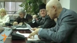 Кырым язучылары урамдагы гаскәрне күрмәмешкә салыша