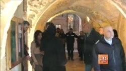Ким Кардашян крестила дочь в армянской церкви в Иерусалиме