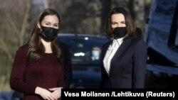 Прэм'ер-міністарка Фінляндыі Санна Марын (зьлева) і Сьвятлана Ціханоўская на сустрэчы 3 сакавіка 2021