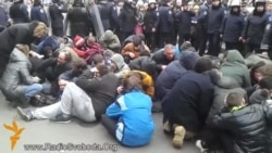 Pro-Russian Demonstrators Storm Kharkiv Administration