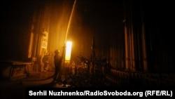 Київ: у костелі Святого Миколая сталась пожежа – фоторепортаж
