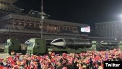 Военен парад в Северна Корея през януари