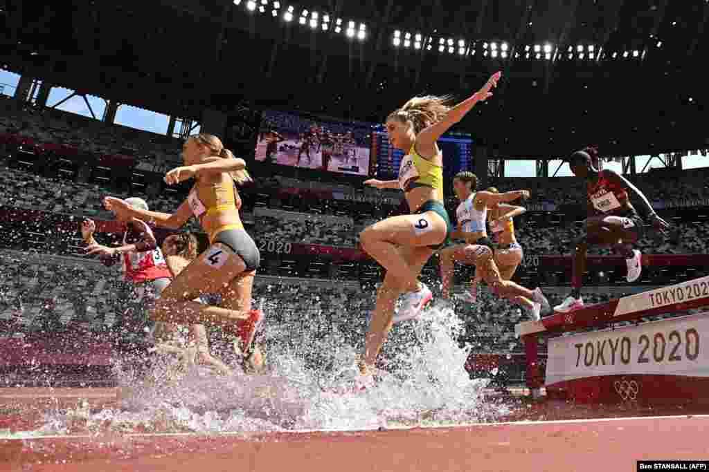Австралійка Джорджія Вінкап під час змагань з бігу на 3000 м серед жінок на Олімпійських іграх 2020. Токіо, 1 серпня 2021 року
