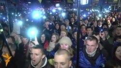 Эўрамайдан сьпявае гімн Украіны