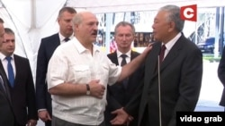 Александр Лукашенко и Даниил Урицкий (Данияр Усенов). 10 августа 2020 года.