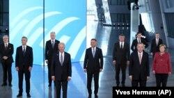 Ширкатдорони ҷаласаи НАТО дар Брюссел. 14-уми июн
