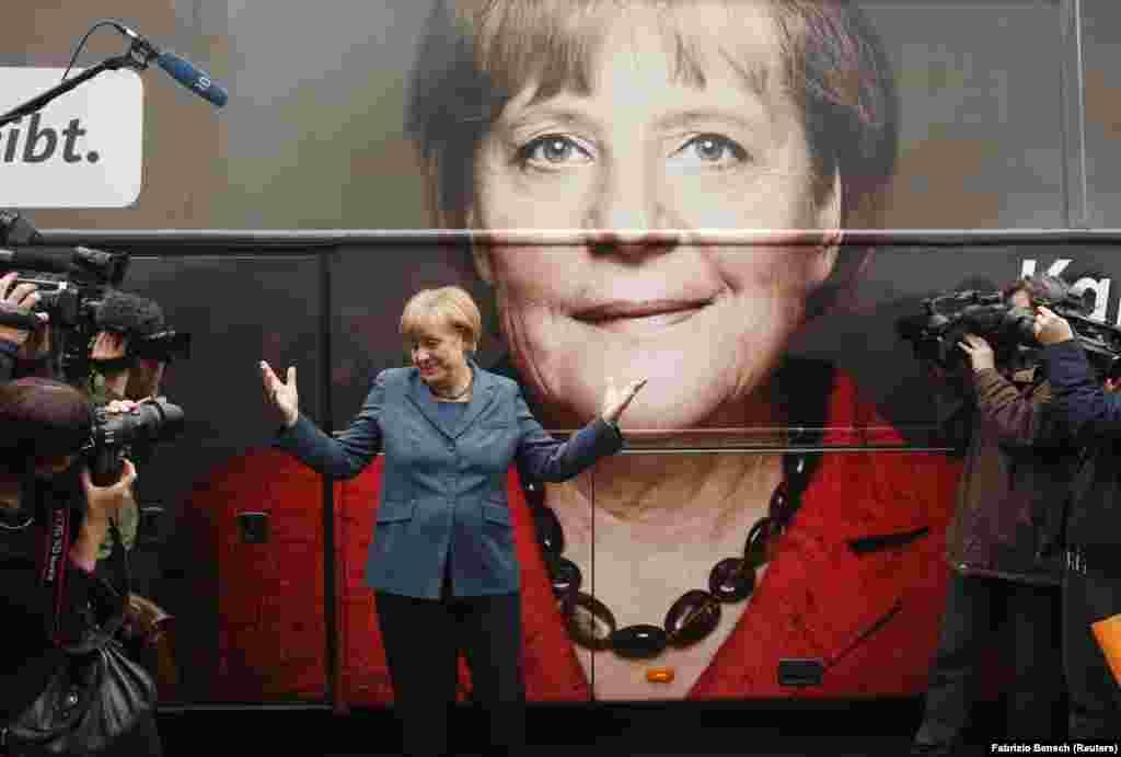 Angela Merkel négyszeres választási győzelmével a leghosszabb ideig regnáló demokratikus vezető Németországban. A Kereszténydemokrata Párt (CDU) 2013. szeptember 16-ai elnökségi ülésén, a 2013-as választások előtt