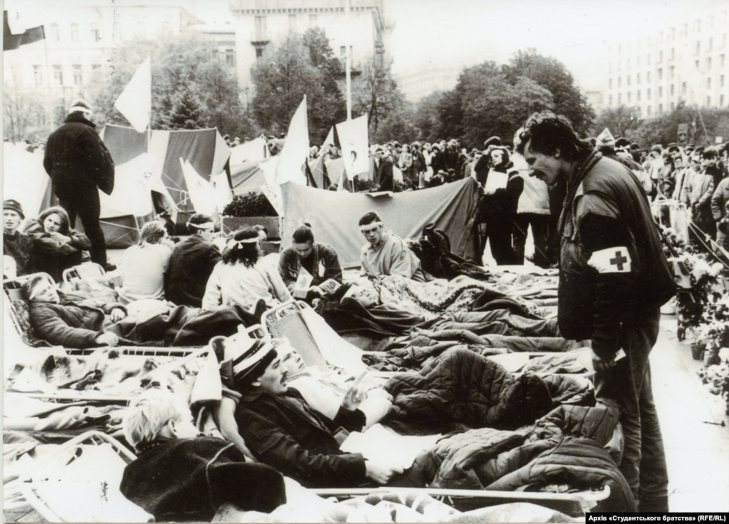 Unlike some subsequent protests on Kyiv's Independence Square, the Revolution On Granite was very disciplined and well-organized. Here, a student medical officer checks the well-being of the hunger-striking students, all of whom lived to tell the tale.