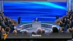 Президенти Русия ба саволҳои мардум ҷавоб дод