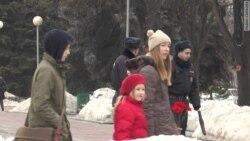 """Символ жизни среди мертвечины"" - Самара вспоминает Немцова"