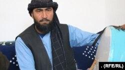 غلام نبی یکی از نوازندههای دهل در هرات