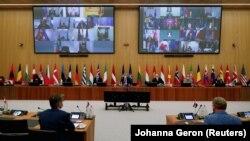 Під час онлайн-наради Північноатлантичної ради в штаб-квартирі НАТО в Брюсселі, 1 червня 2021 року