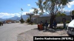 Дорога между Ворухом и Ак-Саем. Май 2021