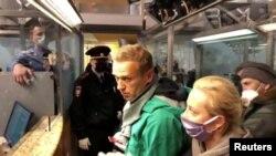 Задержание Алексея Навального в аэропорту Шереметьево.