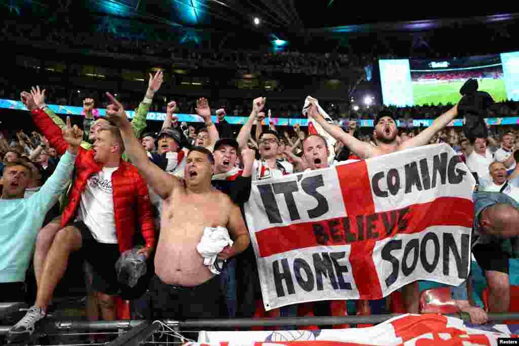 ВЕЛИКА БРИТАНИЈА - Европската фудбалска унија (УЕФА) побара да се испита насилното однесување на англиските навивачи на последниот натпревар на Европското првенство, вклучително и неколку стотици кои влегоа на стадионот Вембли без билети.