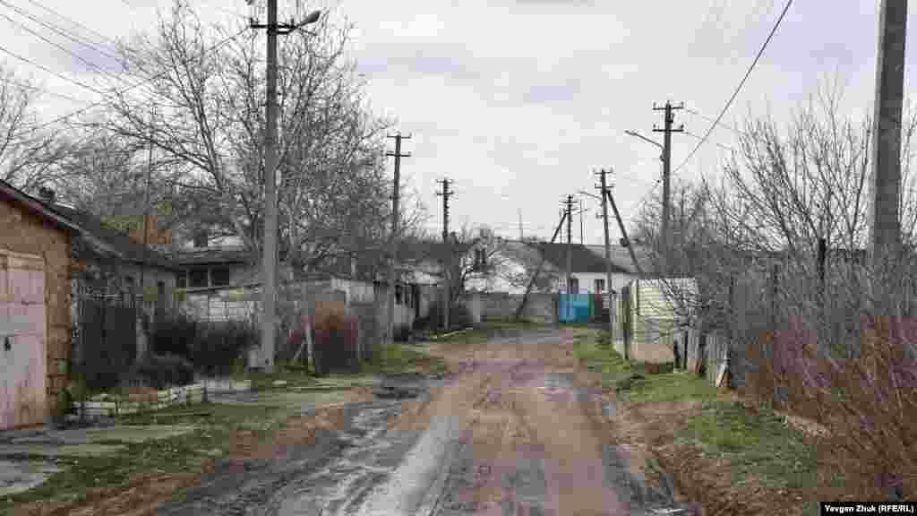 345-inci diviziya soqağında gaz boruları qapatılğan soñ çamur qaldı