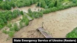Повінь поблизу Верховини, Івано-Франківської області, 24 червня 2020 року