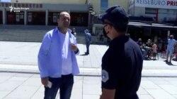 Policia detyron qytetarët t'i vendosin maskat