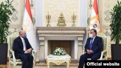 Президент Таджикистана Эмомали Рахмон принял и.о. главу МИД Афганистана Ханифа Атмара. Фото пресс-службы президента Таджикистана