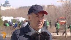 Назарбаев на субботнике