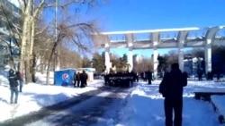 """В Хабаровске участники """"Русского марша"""" провели мирную акцию"""