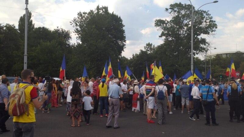Protest în Piața Victoriei al celor care contestă legea carantinei