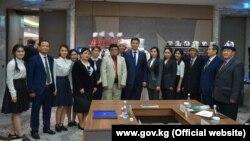 Премьер-министр Улукбек Марипов Ташкентте кыргыз диаспорасынын өкүлдөрү менен жолугушту.
