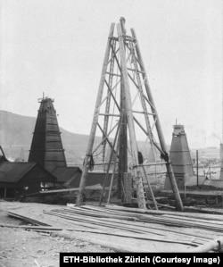 Izgradnja naftne platforme